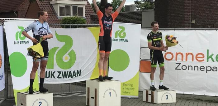 Jasper wint de Ronde van Standdaarbuiten
