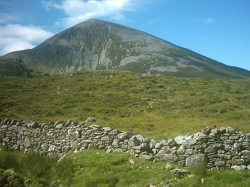 Wall_under_Croagh_Patrick