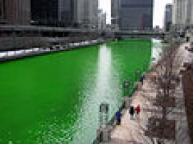 120px-Chicago_River_dyed_green,_focus_on_river