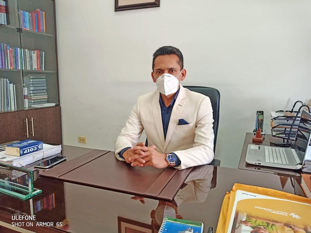 Javier Manzanillas Rogel defiende a las cinco personas procesadas.