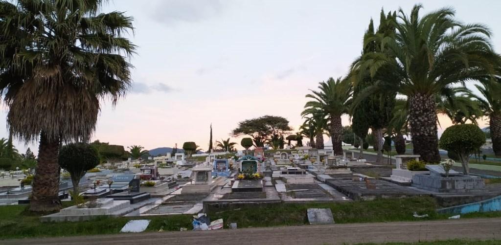 El Cementerio General es el principal camposanto de la ciudad de Loja.