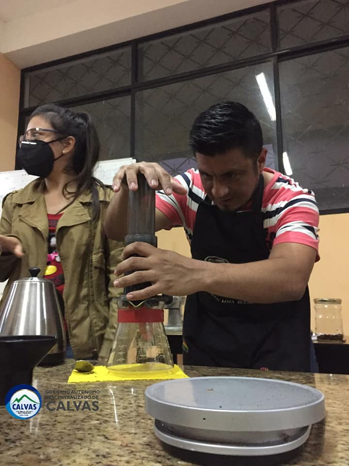 Los participantes conocieron aspectos básicos de las técnicas y métodos de preparación de café.