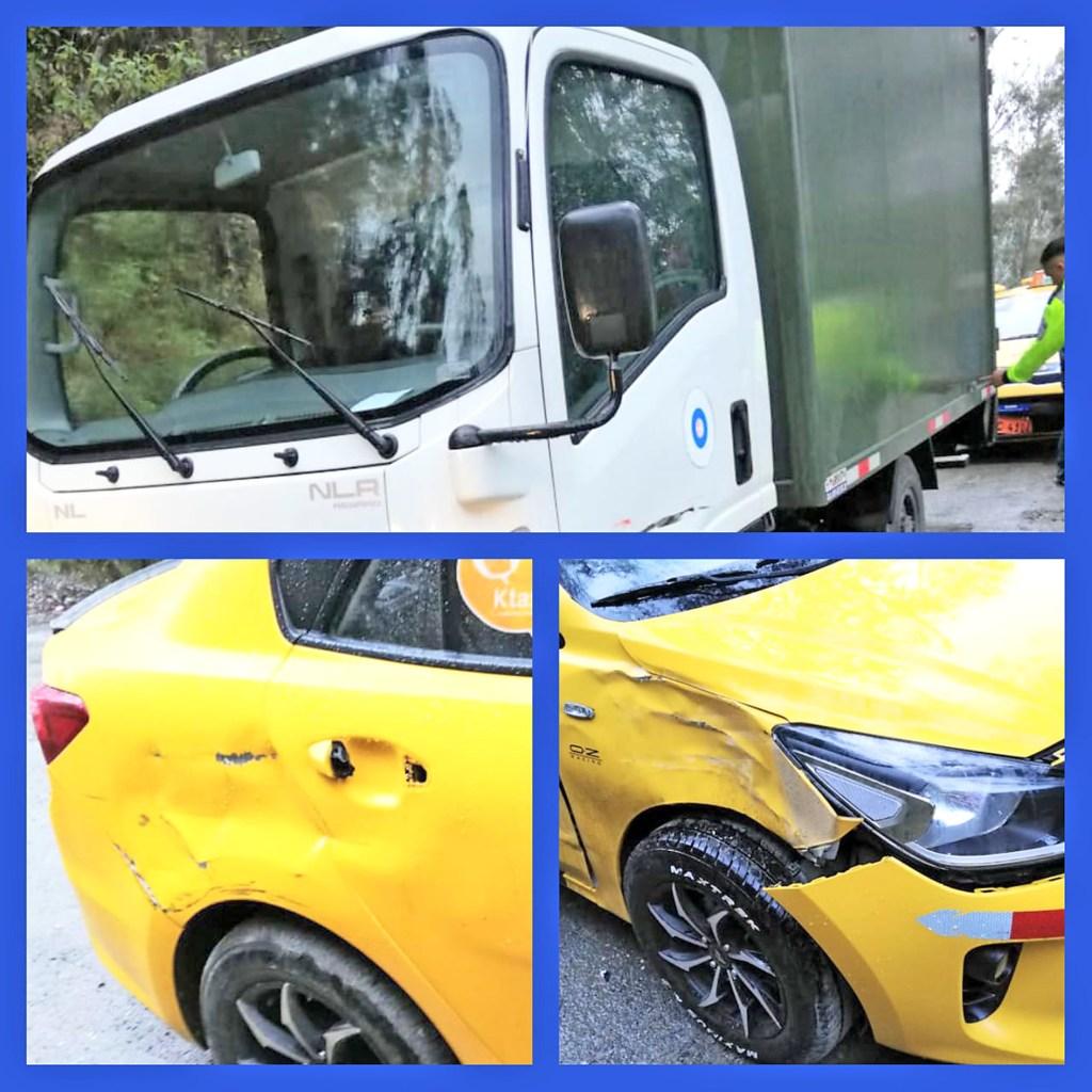 Los vehículos implicados en el accidente de tránsito.