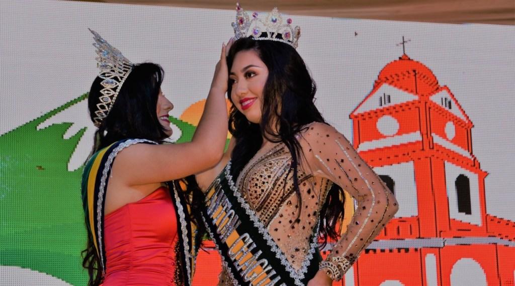 Mediante un acto galante, se coronó a la nueva Reina, Noelia Fernández Reyes, representante del barrio Nuevo Jardín.