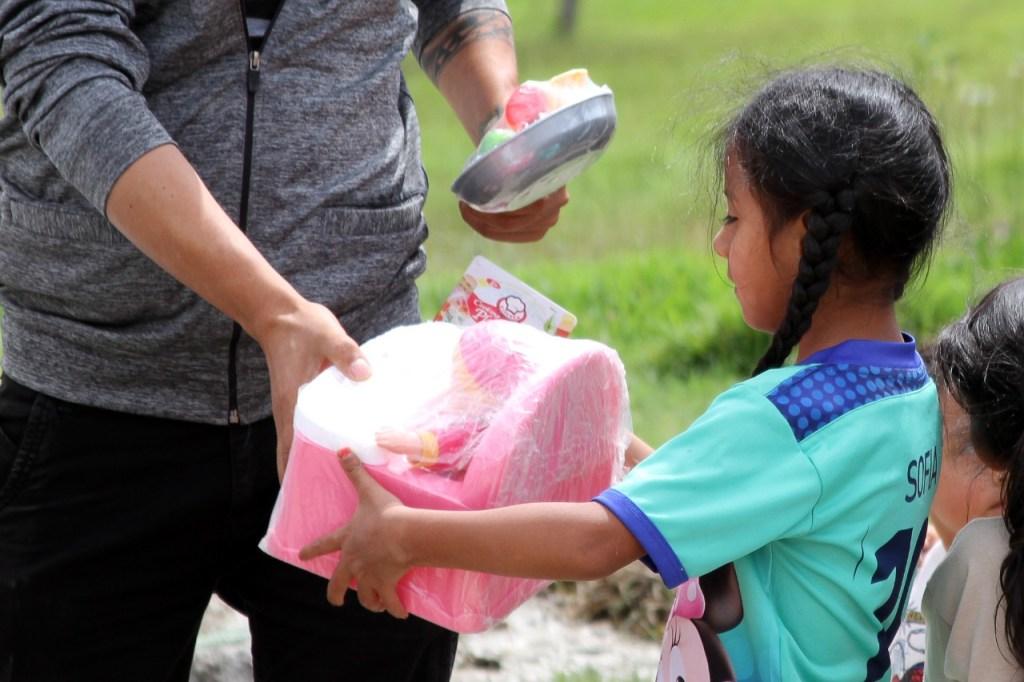 La campaña permitió reunir 320 conjuntos de ropa y 310 juguetes, todos en buen estado.
