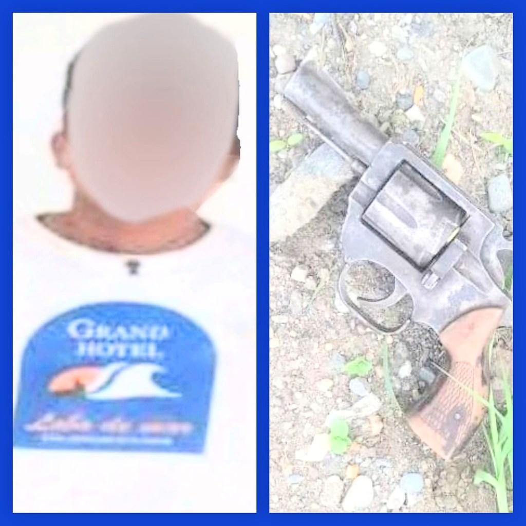 En el arma de fuego había una vaina de una bala que fue disparada.