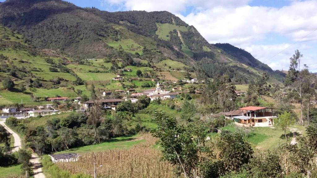 La parroquia se caracteriza por su producción agrícola y el turismo.
