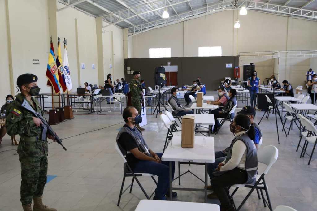 El simulacro se cumplió en el Centro de Procesamiento Electoral, ubicado en el Complejo Ferial Simón Bolívar.