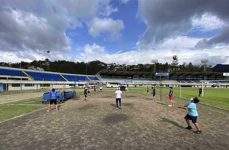 Los trabajos se están realizando en el estadio Reina del Cisne.