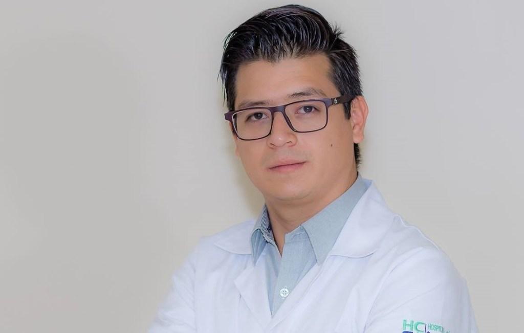 Diego Toapanta Vega es neumólogo intervencionista con formación profesional realizada en el exterior.