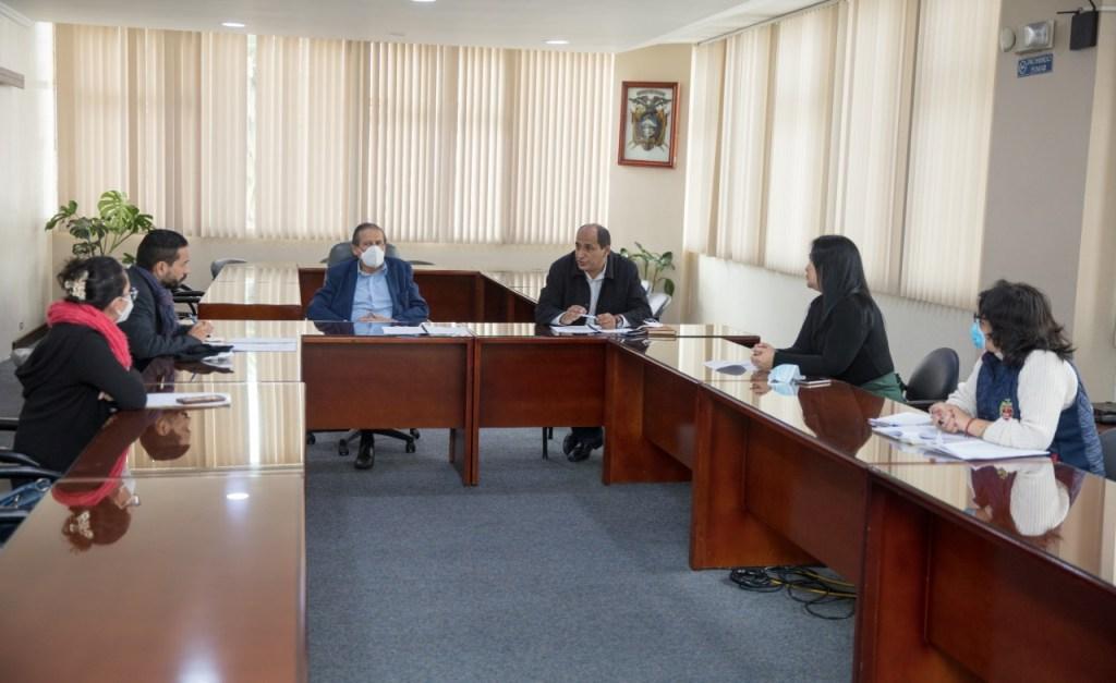 Con una sesión de trabajo en el Municipio de Loja iniciaron los preparativos.