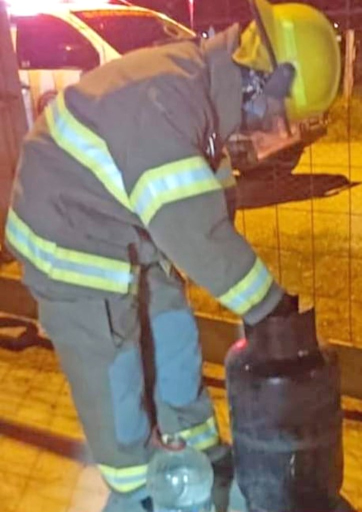 Los bomberos dieron recomendaciones a la dueña de casa.