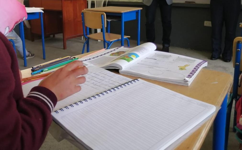 Los alumnos cumplen las últimas tareas.