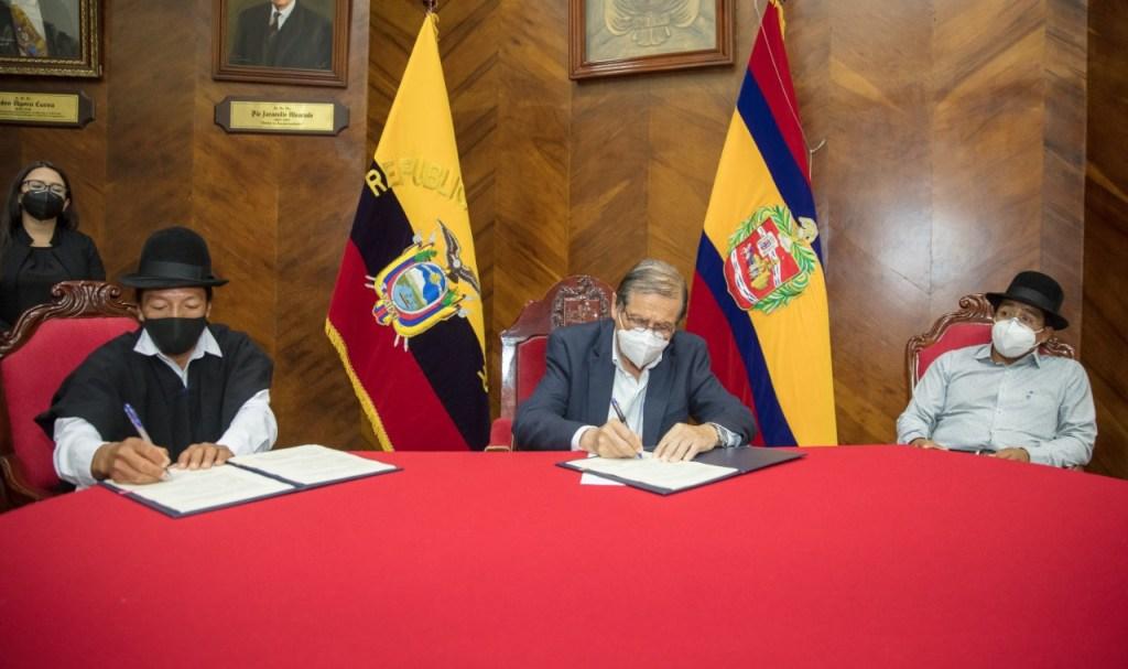 Los representantes del Municipio y de la Asociación consolidaron el acuerdo.