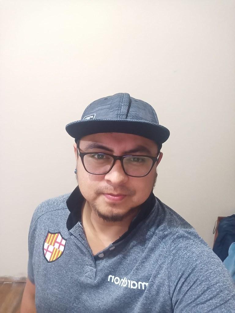 Beto Valdez se graduó de ingeniero en Sistemas en la Universidad Nacional de Loja.