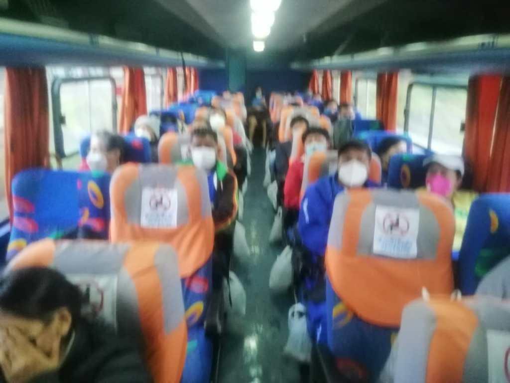 Las unidades de transporte viajan prácticamente llenas.