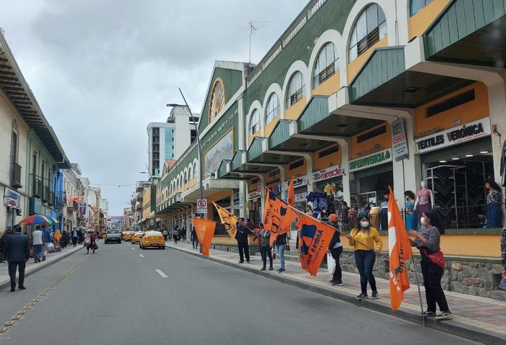 Parte de las acciones realizadas son los recorridos por las calles de la localidad.