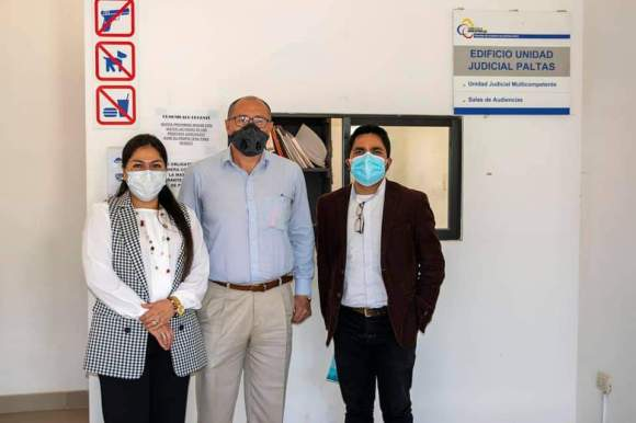 Yennifer López, a través de sus abogados defensores Patricio Valdivieso Espinosa y Gilbert René Robles, formalizó la demanda, el lunes pasado.