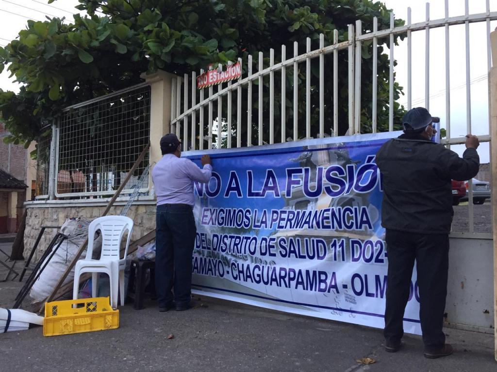 La protesta se cumplió ayer en las afueras del Distrito, ubicado en el centro de la ciudad de Catamayo.