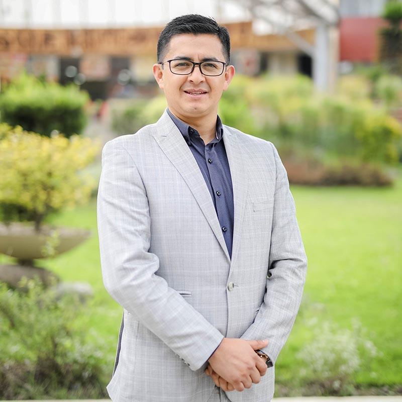 Mario Paguay García, director de la Maestría.