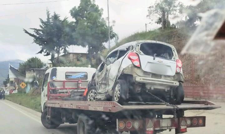 En ese estado quedó uno de los vehículos implicados en ese revés.