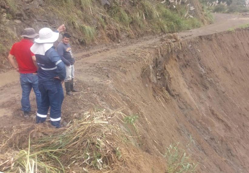 El dirigente, Franco Angamarca, solicita un mantenimiento constante de la carretera.