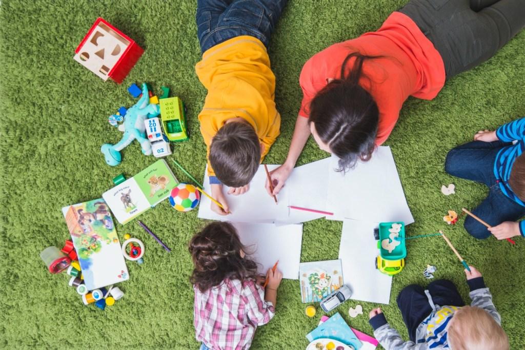 Existen varias opciones para que los niños ocupen su tiempo libre durante las vacaciones.