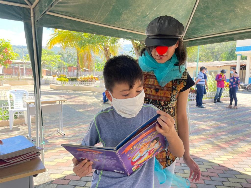 Los niños de Zapotillo, el miércoles pasado, 14 de julio de 2021, participan de la campaña cultural de la CCE-L.