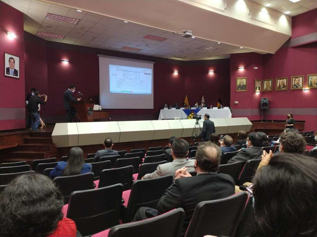 El sorteo se realizó en el auditorio 'Manuel Carrión Pinzano', perteneciente a la Corte Provincial de Justicia de Loja.