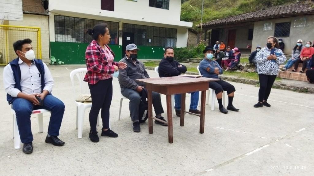 La reunión de autoridades se cumplió, el viernes anterior, en el barrio Las Juntas.