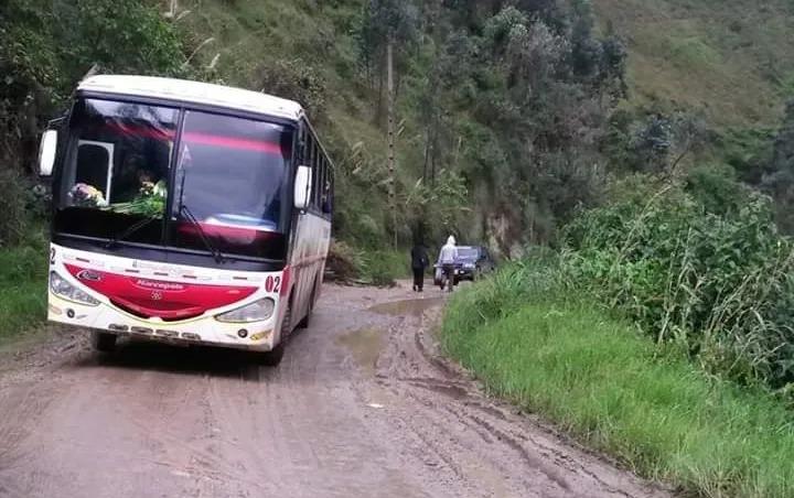 Los moradores se quejan por el mal estado de la carretera (Fotografía archivo)