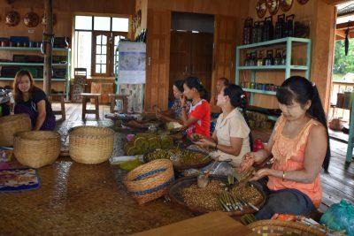 mujeres tabaco artesanal
