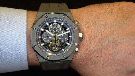 Audemars Piguet Royal Oak Tourbillon Chronograph en la muñeca 2 Horas y Minutos