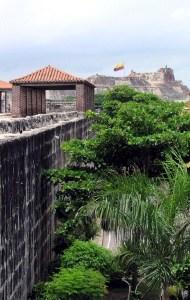 Hören in Cartagena Blick auf die Festung