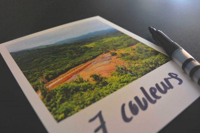 Polaroid terre aux 7 couleurs