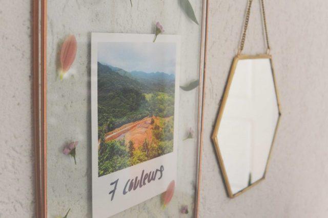 Cadre photo transparent avec polaroid
