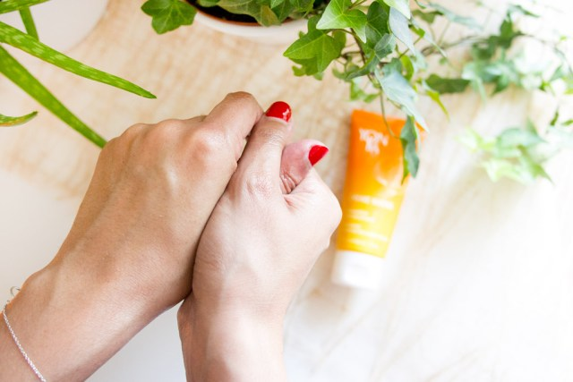 Yon-Ka crème pour les mains à la mandarine
