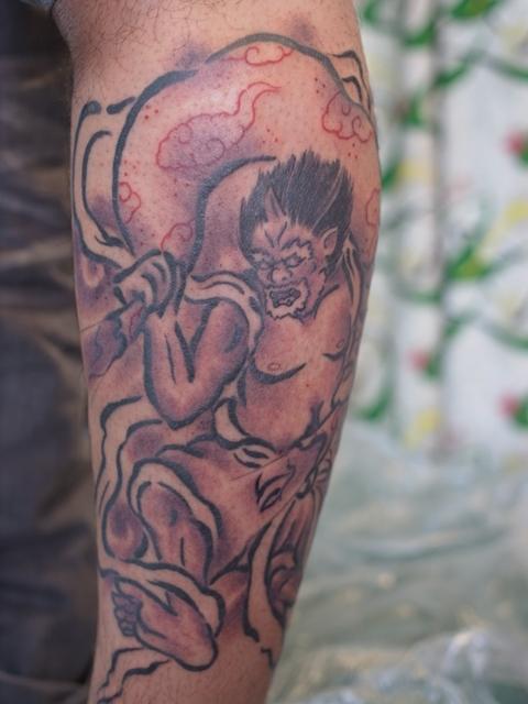 風神のタトゥー画像