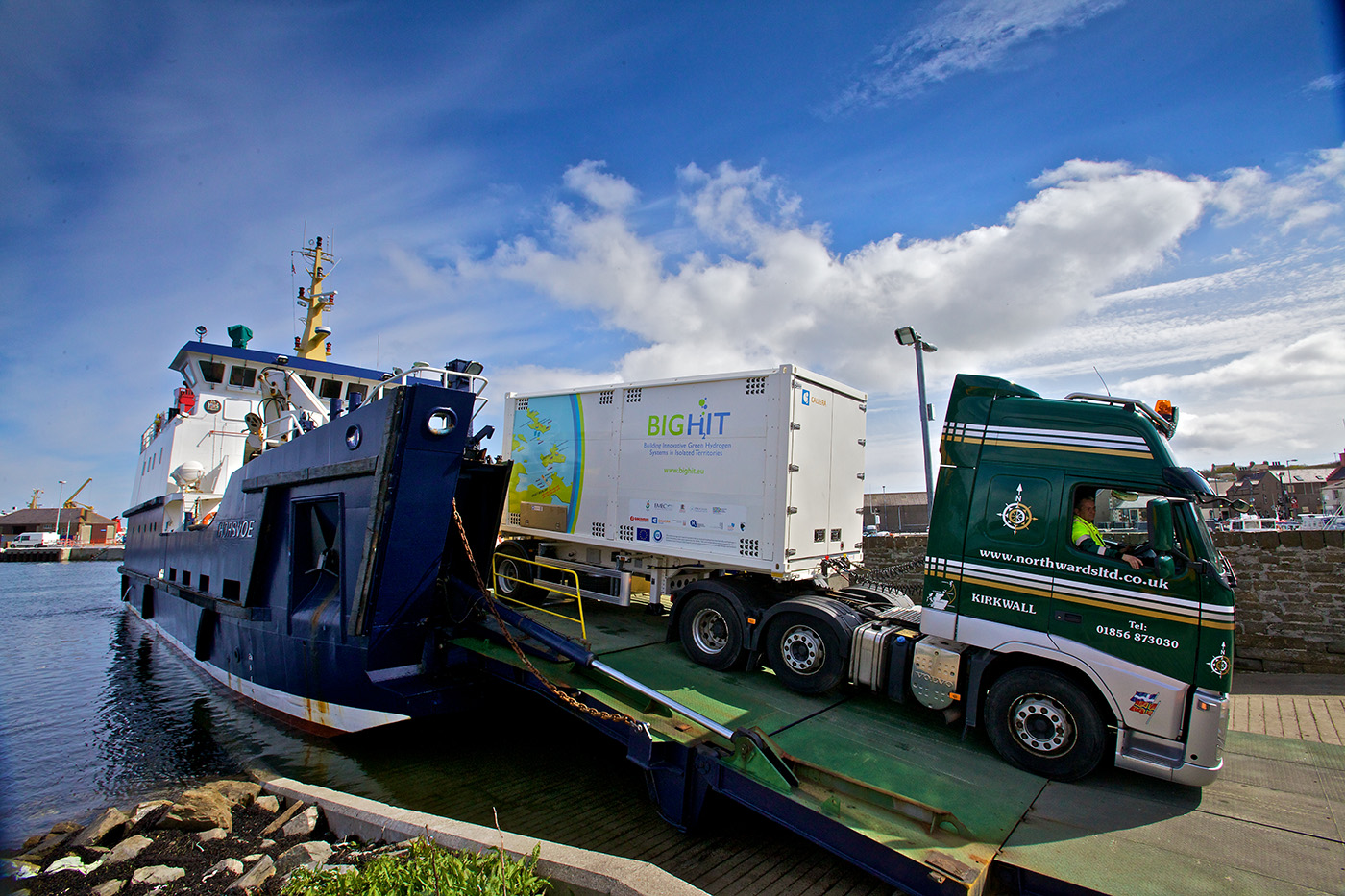 Trucks on Orkney carry hydrogen produced by wind- and tide-powered electrolysis in special lightweight high pressure cylinders, designed to adhere to the low weight limit of the island roads.