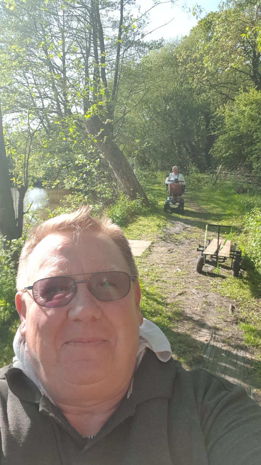 Dave Selfie showing sue P