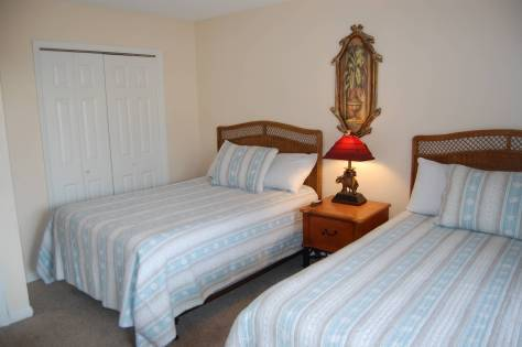 3rd bedroom with 2 full beds