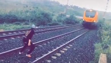 صورة مكتب السكك الحديدية يرد على فيديو الشاب الذي اعترض مسار قطار!