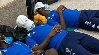 صورة قبل ساعات قليلة من مواجهة غامبيا.. المنتخب الغابوني عالق في المطار