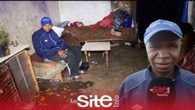 """صورة صادم.. عائلة تتكون من 10 أشخاص يعيشون في كوخ وسط الفئران بـ""""كازا"""" -فيديو-"""