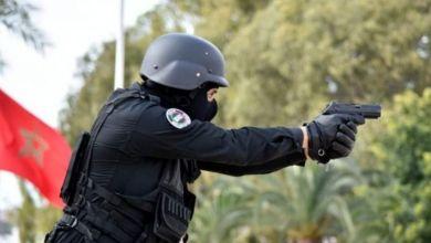 """صورة شخص """"هائج"""" يثير الرعب في ساكنة سيدي موسى بسلا والأمن يطلق الرصاص لإيقافه"""