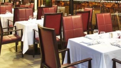 صورة قرار باستئناف أنشطة مقاهي ومطاعم هذه المدينة.. إليكم التفاصيل
