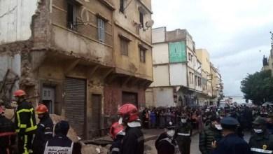 صورة مشهد خطير.. لحظة انهيار منزلين بالبيضاء وصراخ السكان -فيديو