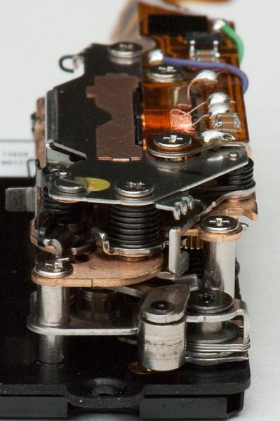 D2H shutter mechanism - top view