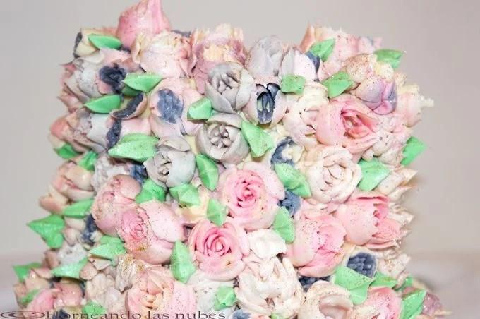 Tarta de flores con sabor a fruta de la pasión