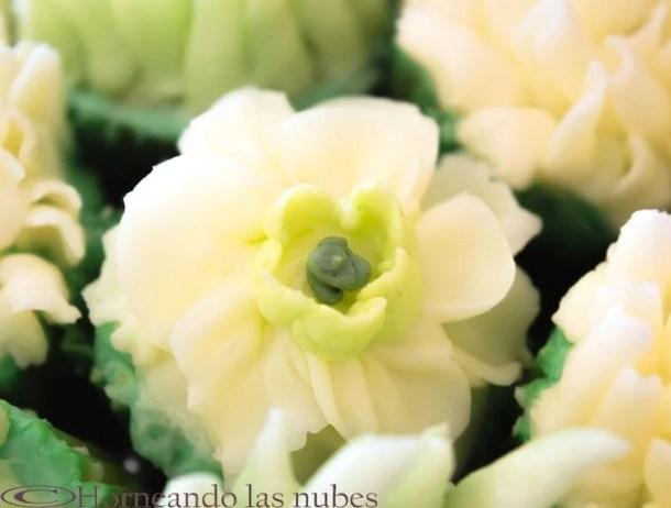 Flor realizada con Buttercream o crema de mantequilla para hacer flores